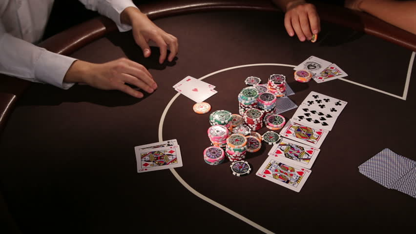 How to Play Winning Poker Making Use Of the Tricks of Success