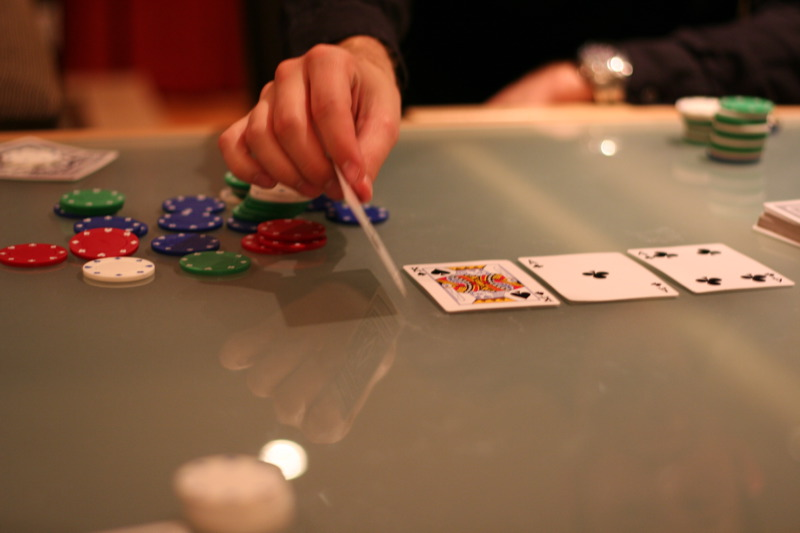 How to Play Texas Hold 'em Poker?